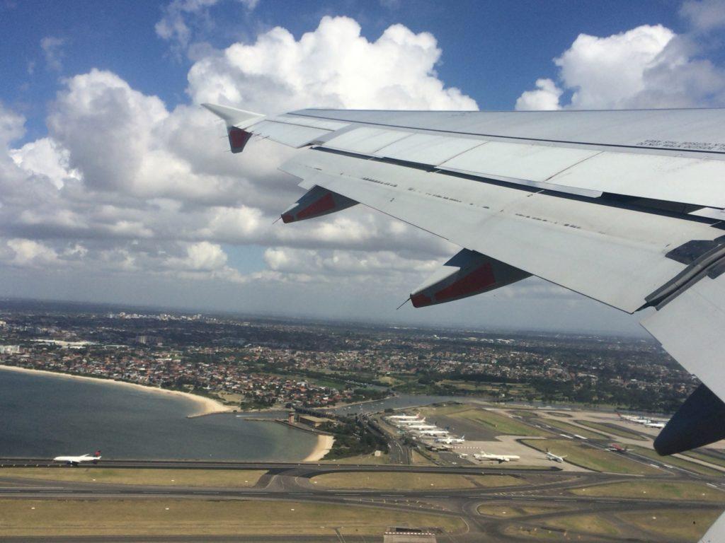 シドニー空港を離陸
