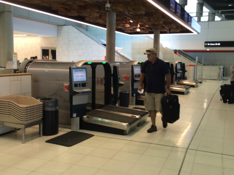 自動受託手荷物機