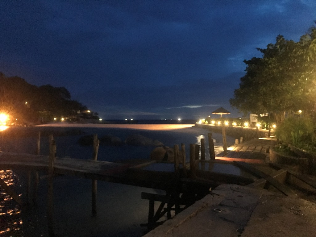 ナンユアン島の夜