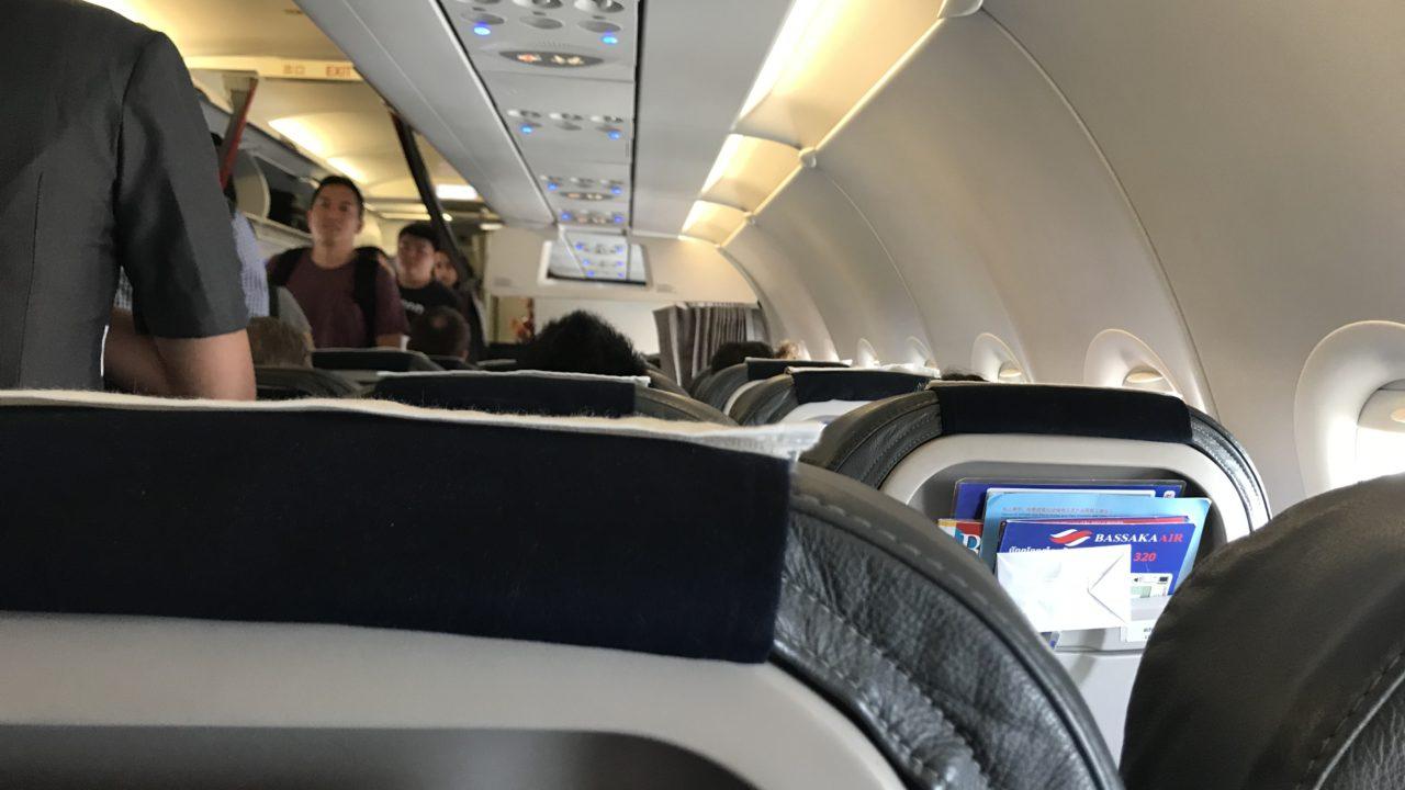 BASSAKA AIR 座席 シート