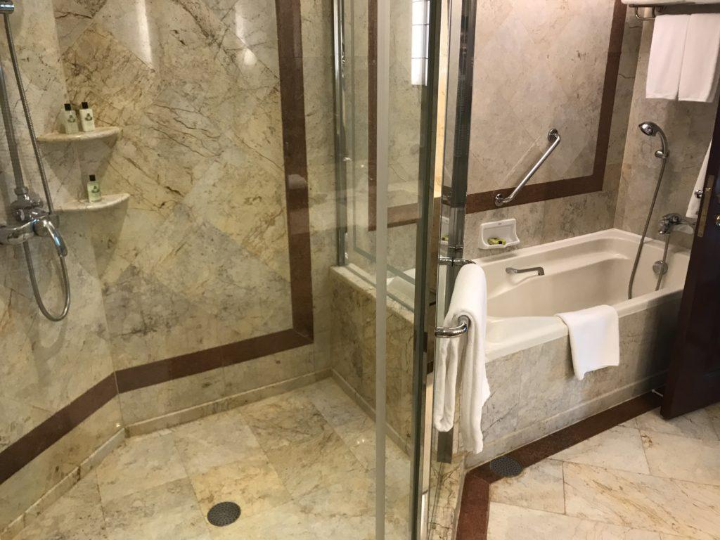 クラブインターコンチネンタル スイート バスルーム