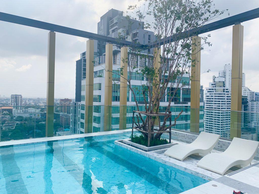 ステイブリッジ スイート バンコク トンロー(Staybridge Suites Bangkok Thonglor)プール