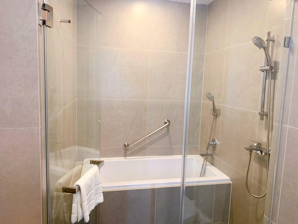 ステイブリッジ スイート バンコク トンロー(Staybridge Suites Bangkok Thonglor)スタジオスイート バスルーム
