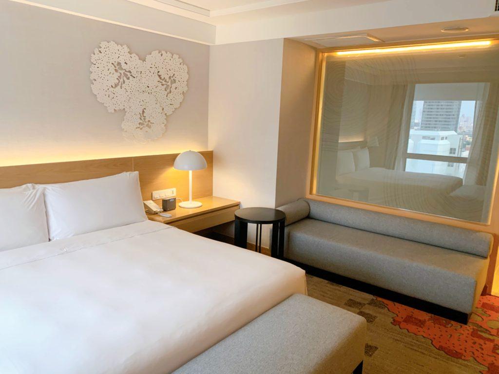 ホリデイ・イン バンコク(Holiday Inn Bangkok)ビジネススイート
