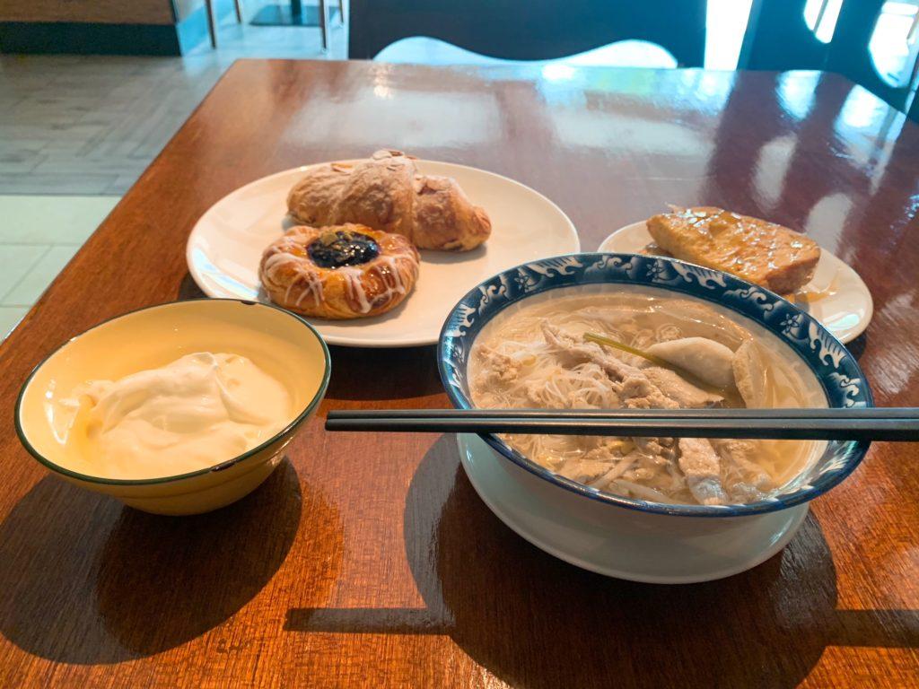 M Club Loungeと朝食