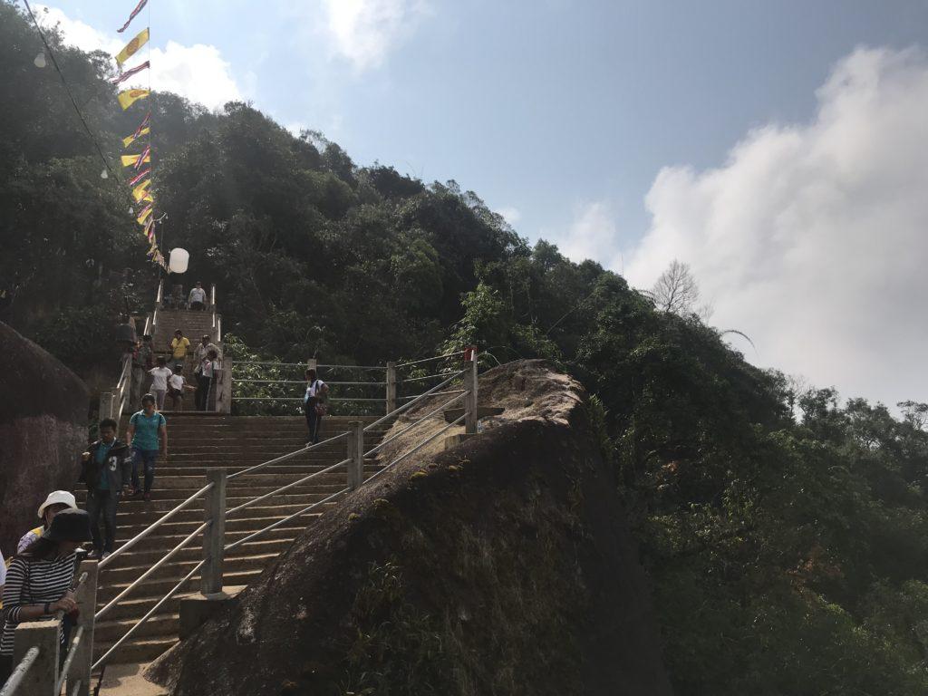 タンブンのメッカ「カオキッチャクット国立公園」