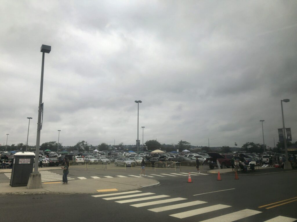 メットライフ駐車場